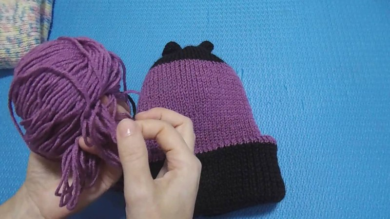 Вязание спицами. Вязанная тёплая шапка