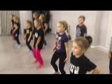 Kids | Hip Hop | Plastic Line