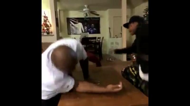Lets Arm Wrestle » Freewka.com - Смотреть онлайн в хорощем качестве