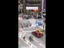 9 - Зак Эфрон, Хью Джекман, Джеймс Корден и Зендая - Crosswalk Karaoke для программы The Late Late Show with James Corden