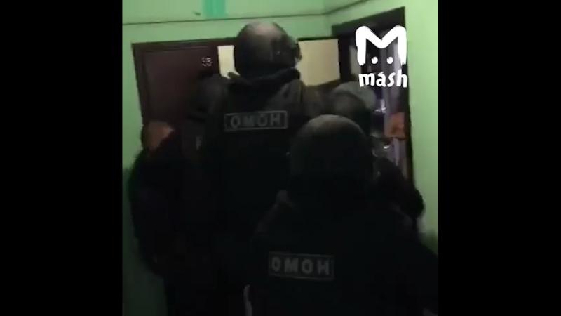 Задержание одного из участников банды рэкетиров и убийц в Москве