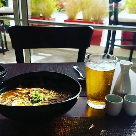 "Stanislav Grinik on Instagram: ""Time for ramen🍜 Who eat now, enjoy the meal guys 🍝 bavaro yao goodfood ilikeit beercorona🍺 ラーメン 食べ物 domi..."
