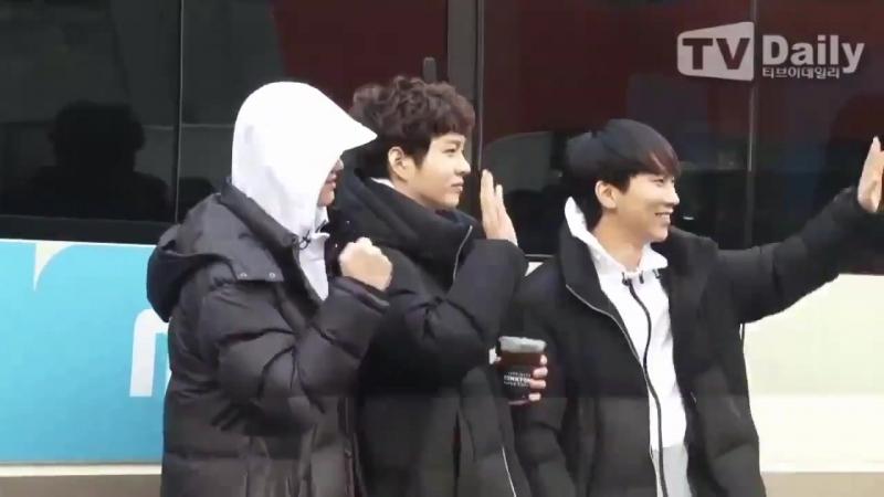 [PRESS] 15.01.2018: Ынкван, Чансоб и Пыниэль по пути на запись MBC ISAC 2018 @ TVDaily