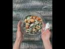 Рецепт салата с фасолью и сыром с чесночным соусом