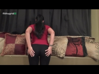 Milf farts in yoga pants after a workout