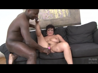 Granny hardcore fucked by black man in her tight ass loves