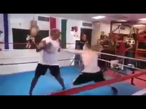 Karma   Joven de 18 años propina paliza a boxeador que abusaba de rivales