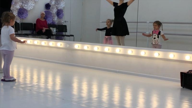 Агния очень скучает по балету и ждёт, с нетерпением, первых занятий в этом учебном году.