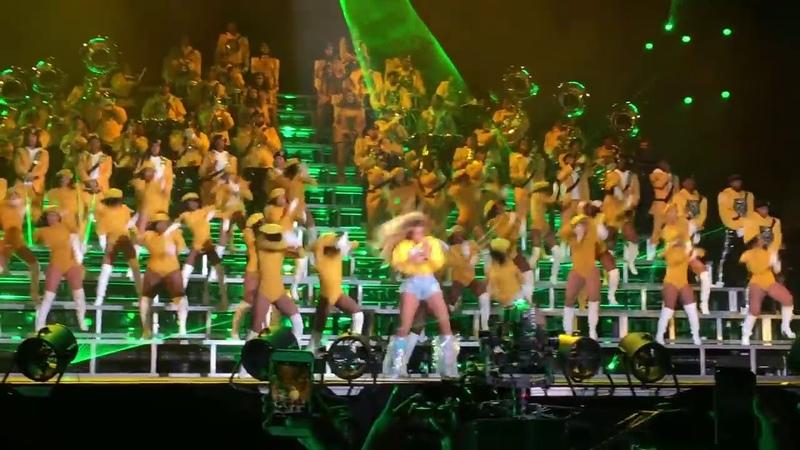 Beyoncé at Coachella 2018 (DivaEverybody Mad Dance Break)