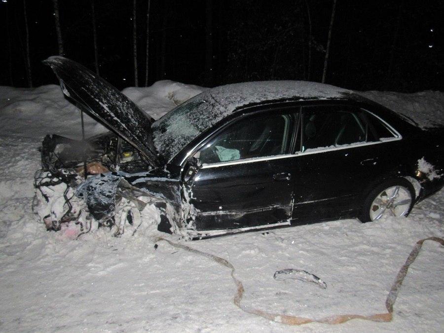 В Марий Эл Audi таранила «одиннадцатую» и большегруз с полуприцепом, пострадала автоледи