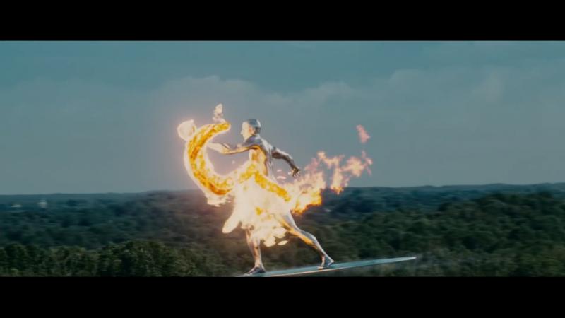 Человек Факел против Серебряного Сёрфера - Фантастическая четверка: Вторжение Серебряного серфера [ фильм 2007 Крис Эванс]