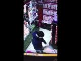 В Москве чувак прямо в секс-шопе «изнасиловал» искусственную попку