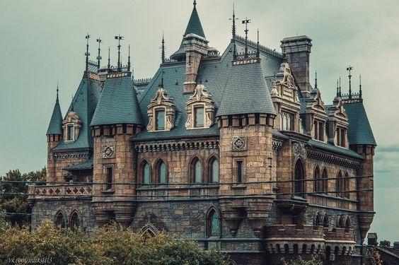 Замок Гарибальди – уникальная достопримечательность России