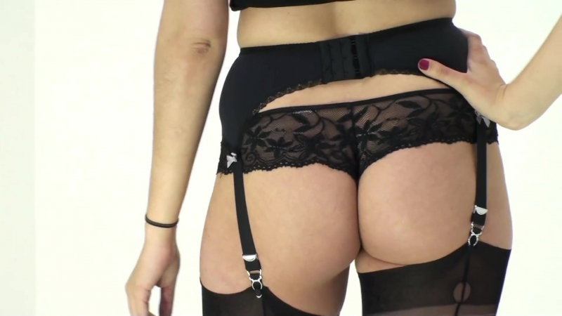 UK Tights - Sassy Selena Six Strap Suspender Belt