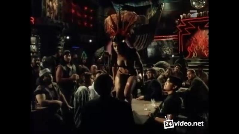Tito and tarantula salma hayek dancing