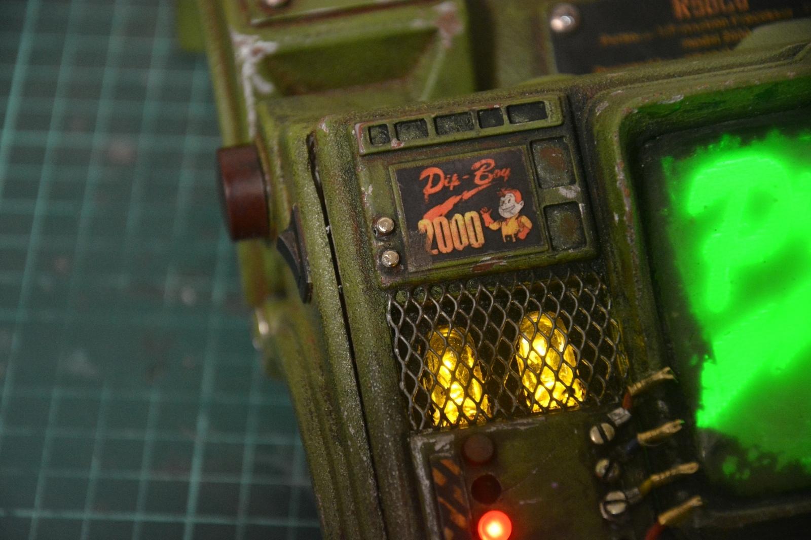 Pipboy 2000 из Fallout своими руками