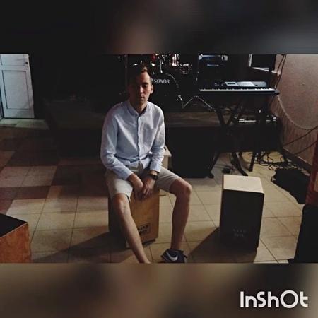 """Konstantin Tokarsky on Instagram: """"Известный ведущий Рома Буч подсел на кахоны SandBox. Поздравляем с приобретением! sandboxcajones ромабуч ка..."""