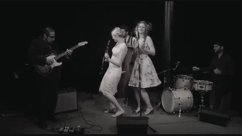Tu Vuo Fa LAmericano - Hetty the Jazzato Band