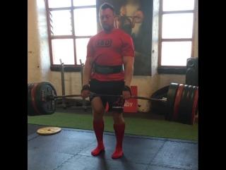Адам Бишоп, тяга 345 кг на 8 раз