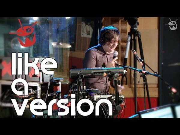 Robert DeLong - Happy (live on triple j)