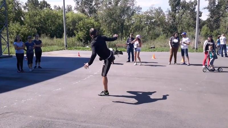 Жонглирование мяча