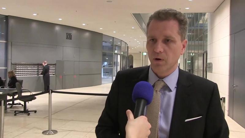 Skandal- Bystron AfD kritisiert Diätenerhöhung scharf- Bundestag Berlin