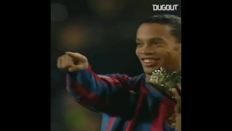 Волшебные моменты Роналдиньо 😍