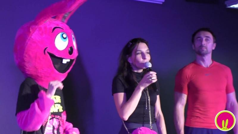 Кролик на фестивале