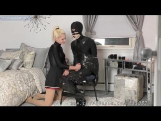 Девушка дрочит член до оргазма (handjob, cumshot, mistress, femdom, humilation, bondage, бондаж, фетиш, сперма, мастурбация)