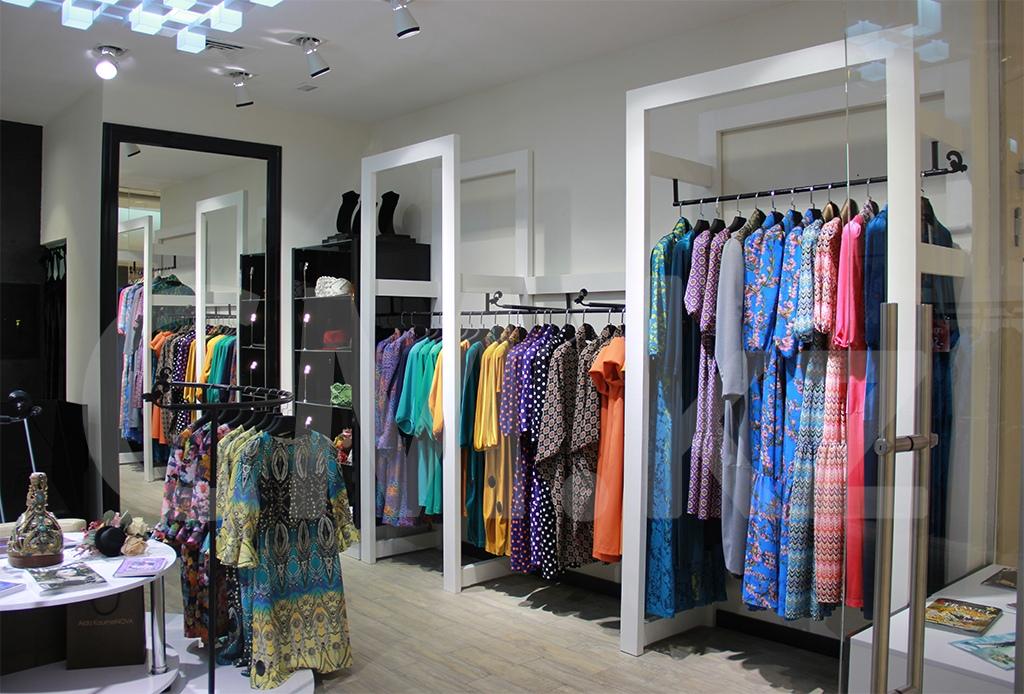 Бутик модной одежды строительство