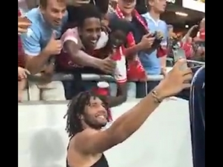 ️ we need your help ️ - - we want to know whose phone @elnenny took this selfie on - and wed love to see the actual photograph