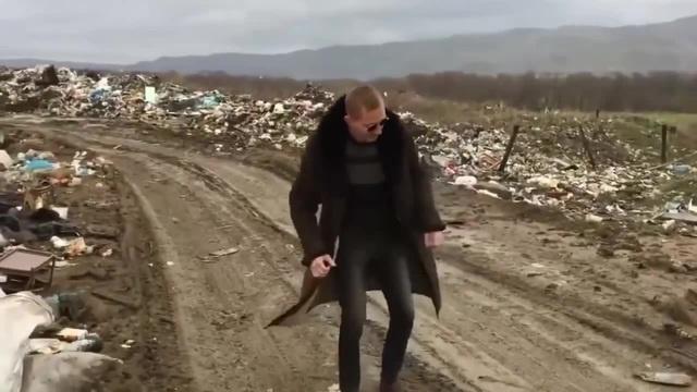 Dancing trash [KOET] · coub, коуб