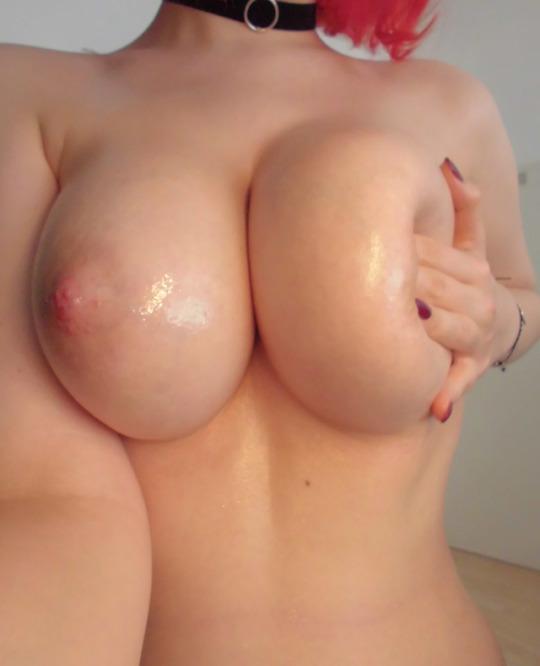 Asian woman sucking big cocks