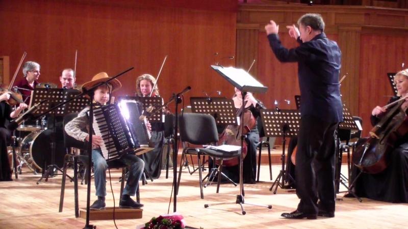 Гриша Тюлеманов (участник концерта Вера, Надежда, Любовь и Музыка) Выступление с оркестром И.М.Лермана