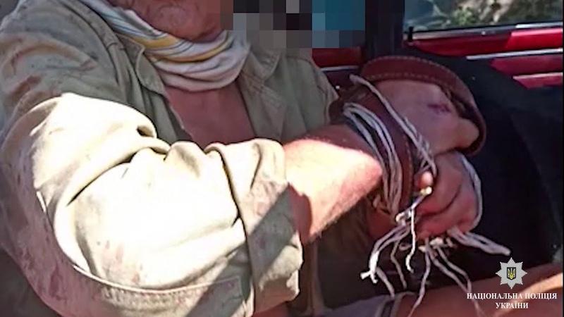 У Вільногірську поліція затримала підлітків, які напали на пенсіонера