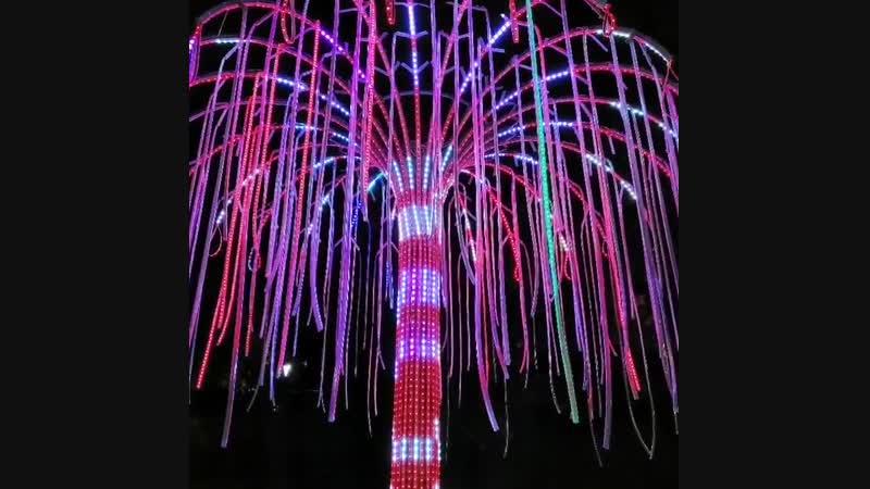 Светодиодное дерево в детском городке Сказка. СТК SvitloCenter