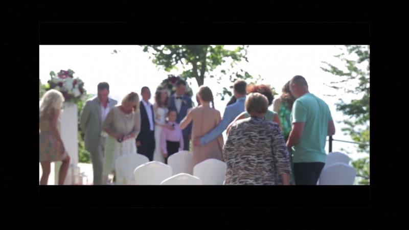{Атмосферное свадебное видео. Для заказа видеосъемки пишите в личку. Улыбка невесты и нежный взгляд жениха – самые важные сост