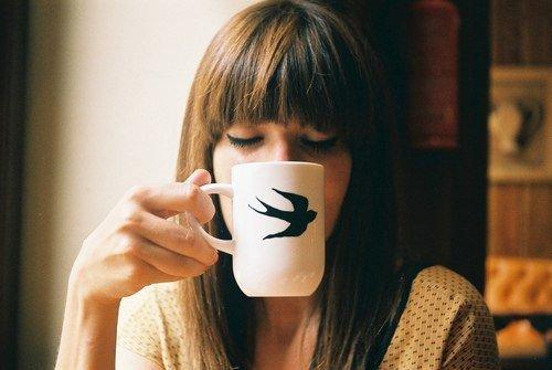 Секрет - в самодостаточности. В умении быть личностью, в умении быть счастливой с самой собой. Это трудно. Зато все остальное жизнь даст вам в подарок.