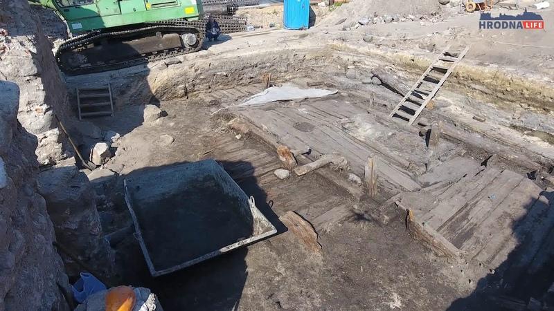 хата 14 стагоддзя пры Старым замку ў Гродне
