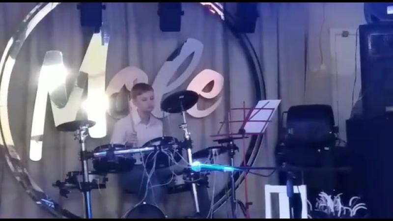 Матвей Канин. «Forestside Blues» в стиле drum station.