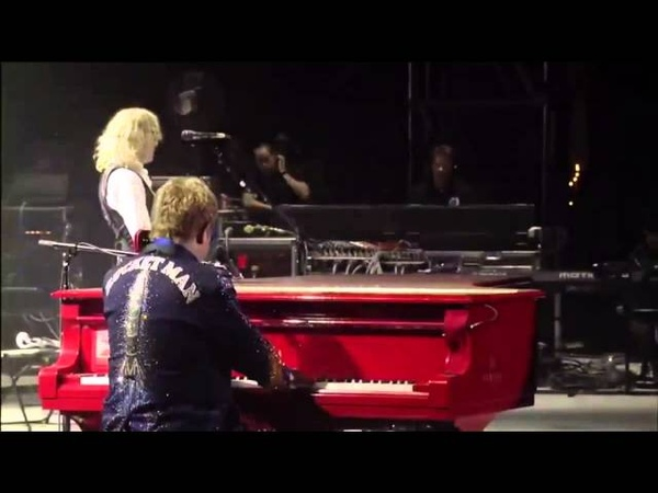 Elton John - Your Sister Can't Twist (But She Can Rock 'N' Roll) (Live)