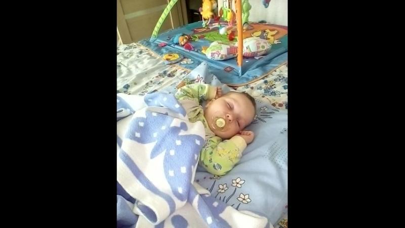 спит моя девочка 19.09.18