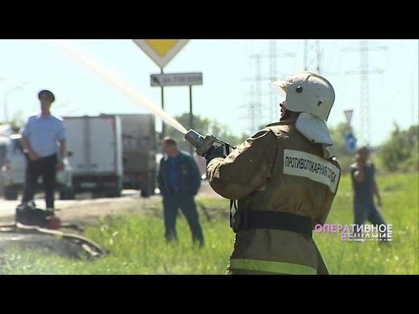В Ростове на дороге сгорела многотонная фура с бумагой