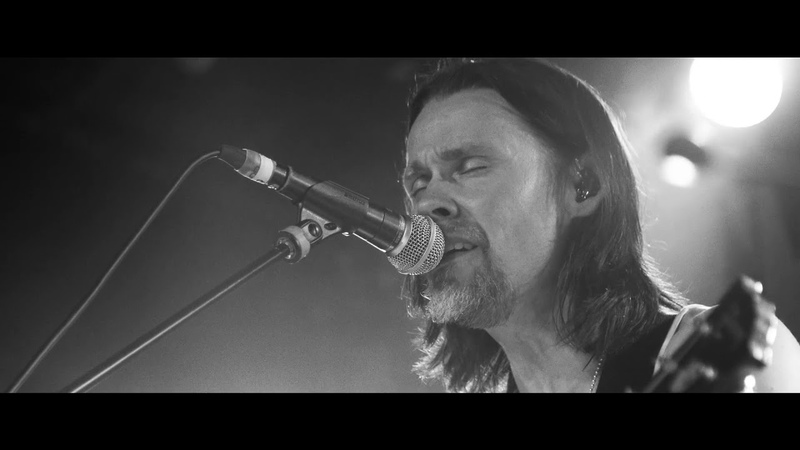 Myles Kennedy: Love Can Only Heal