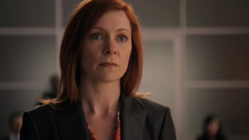 The Good Wife 01x22 - Elsabeth on the court