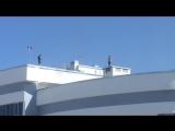 «Селфи над пропастью»- жители Энгельса испугались за подростков, забравшихся на крышу высотки