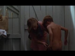 Сцена из фильма анал в ванной, мастурбация шикарной зрелки
