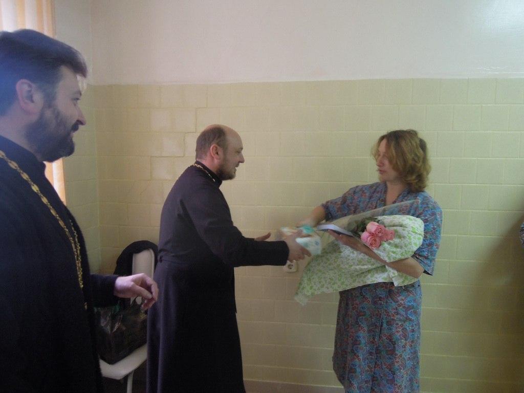 Представители духовенства посетили родильное отделение Зеленчукской ЦРБ