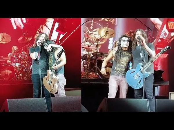 Foo Fighters -Monkey Wrench (closeup with Kiss GuyYAYO Sanchez)