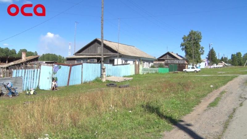 Жители Ключей страдают от соседства с муниципальной развалиной
